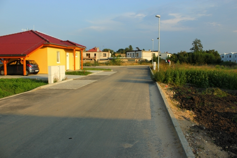 Stavební pozemky Podhaltýřská 3, Lázně Bohdaneč - dokolaudováno