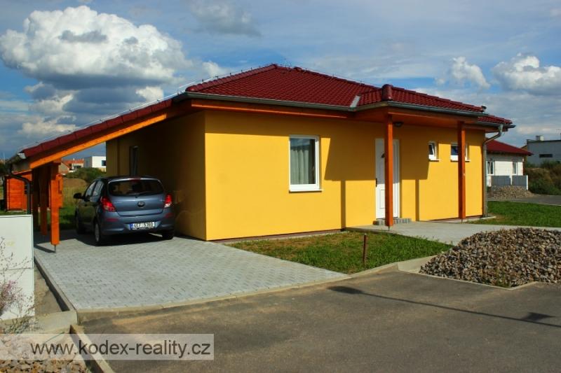Fotogalerie: Dva dokončené bungalovy na klíč v Lázních Bohdaneč