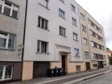 Pronájem zděného bytu 1+1 s lodžií v Nerudově ulici, Hradec Králové - centrum