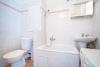 Koupelna s vanou a WC