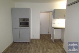 pronájem bytu 2+kk ve Veverkově ulici, Hr. Králové - Pražské Předměstí
