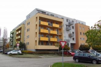 pronájem bytu 2+kk v ul. Ve Stromovce, Hr. Králové - Třebeš